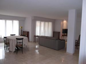 Apartement Maréchal Gallieni, Apartmány  Cannes - big - 7