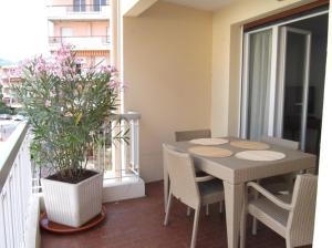 Apartement Maréchal Gallieni, Apartmány  Cannes - big - 3