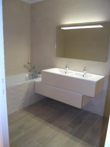 Apartement Maréchal Gallieni, Apartmány  Cannes - big - 4