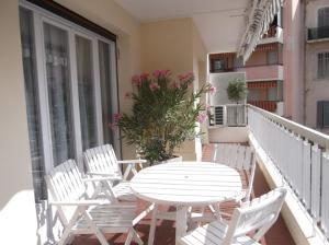 Apartement Maréchal Gallieni, Apartmány  Cannes - big - 9