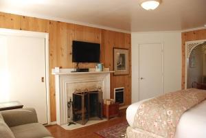 Carmel Garden Inn, Bed & Breakfast  Carmel - big - 22