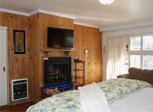 Carmel Garden Inn, Bed & Breakfast  Carmel - big - 17