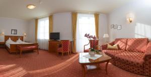 Park Hotel Bellevue, Отели  Доббиако - big - 3