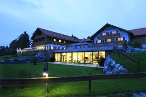 Hotel Auf der Gsteig GmbH - Lechbruck