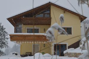 Haus Margit, Homestays  Schlierbach - big - 1