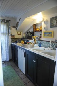 Terrazza Pavone, Apartmanok  Aci Castello - big - 18