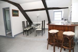 Appartement de charme, Ferienwohnungen  Honfleur - big - 28