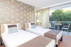 Amfora Hvar Grand Beach Resort, Отели  Хвар - big - 4