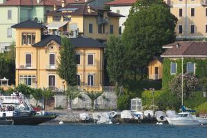Villa Torretta, Гостевые дома  Варенна - big - 32