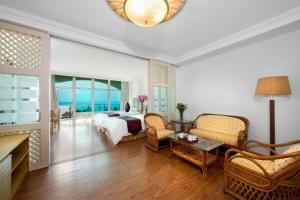 Huayuan Hot Spring Seaview Resort, Resorts  Sanya - big - 28