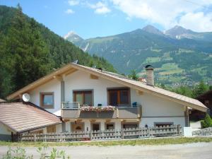 Haus Klaunzer - Apartment - Matrei in Osttirol