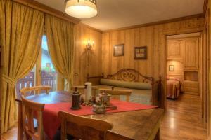 Appartamento Familiare con 1 Camera da Letto e Balcone (4 Adulti)