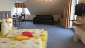 Pension Lebers Schinken-Alm, Guest houses  Winterberg - big - 29