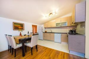 Apartment Zoran, Apartments  Bibinje - big - 65