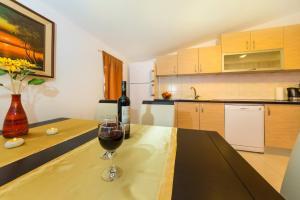 Apartment Zoran, Apartments  Bibinje - big - 67