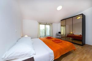 Apartment Zoran, Apartments  Bibinje - big - 71