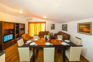 Apartment Zoran, Apartments  Bibinje - big - 77