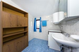 Apartment Zoran, Apartments  Bibinje - big - 85