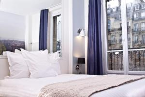 Stella Etoile hotel,  Paris, France. The photo picture quality can be variable. We apologize if the quality is of an unacceptable level.