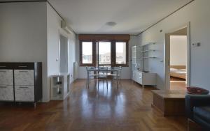 Aurelio Saffi Halldis Apartment - AbcAlberghi.com