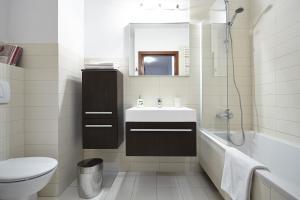 Sienna Apartment 42