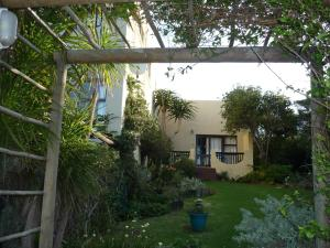 A1 Kynaston Accommodation, Bed and Breakfasts  Jeffreys Bay - big - 256
