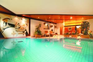 Hotel Tschurtschenthaler - AbcAlberghi.com