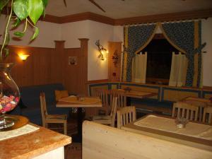 Villa Ilaria, Bed & Breakfasts  Caderzone - big - 16