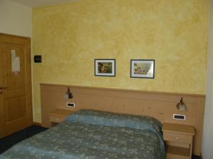 Villa Ilaria, Bed & Breakfasts  Caderzone - big - 2