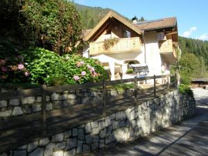 Villa Ilaria, Bed & Breakfasts  Caderzone - big - 6