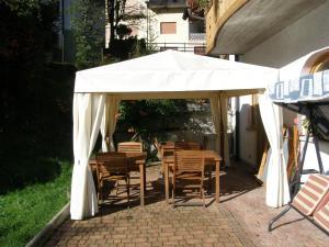 Villa Ilaria, Bed & Breakfasts  Caderzone - big - 9