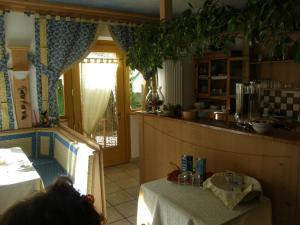 Villa Ilaria, Bed & Breakfasts  Caderzone - big - 7
