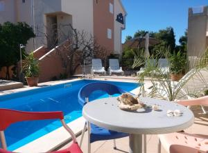 Apartments Villa Natali - Heating Pool