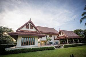 Thararin Villa