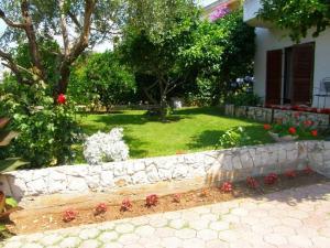 Villa Naranca, Apartments  Trogir - big - 2