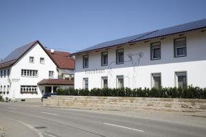 Gasthaus Lamm Garni - Berghülen