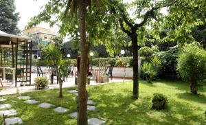 Hotel Aurora Garden - AbcAlberghi.com