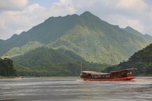 Mekong Cruises -The LuangSay Lodge & Cruises - Houei Say to Luang Prabang - Ban Don Thi