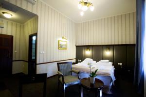 Hotel Golden Eagle, Подгайска