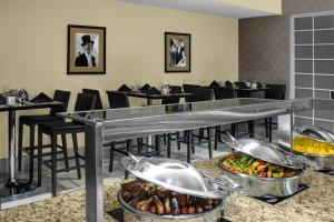 DoubleTree Suites by Hilton NYC - Times Square, Hotely  New York - big - 20