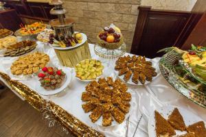 Grand Hotel Uyut, Hotel  Krasnodar - big - 71