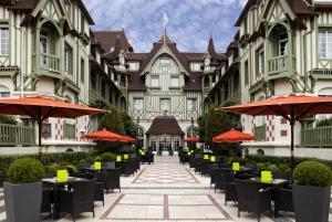 Hôtel Barrière Le Normandy (1 of 49)