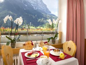 Hotel Bernerhof Grindelwald, Hotely  Grindelwald - big - 77