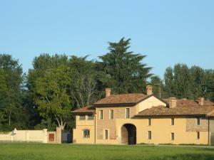 Agriturismo Cascina Pezzolo - Hotel - Lodi