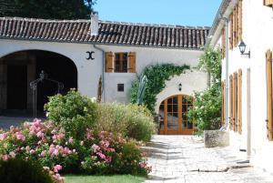 Hotel The Originals Le Relais de Saint-Preuil (ex Relais du Silence) - Lachaise