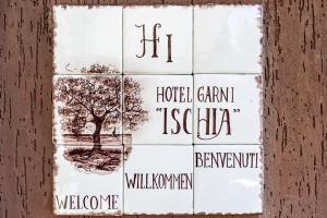 Hotel Garni Ischia, Szállodák  Malcesine - big - 39