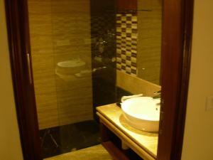 Hotel Aura, Отели  Нью-Дели - big - 39