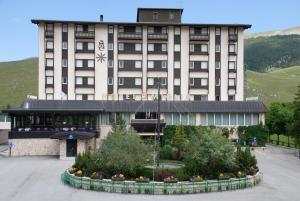 Hotel 5 Miglia, Отели  Ривизондоли - big - 23