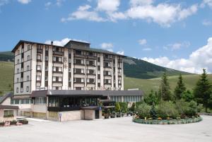 Hotel 5 Miglia, Отели  Ривизондоли - big - 24