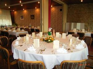 Hotel Restaurant Braas, Hotely  Eschdorf - big - 14